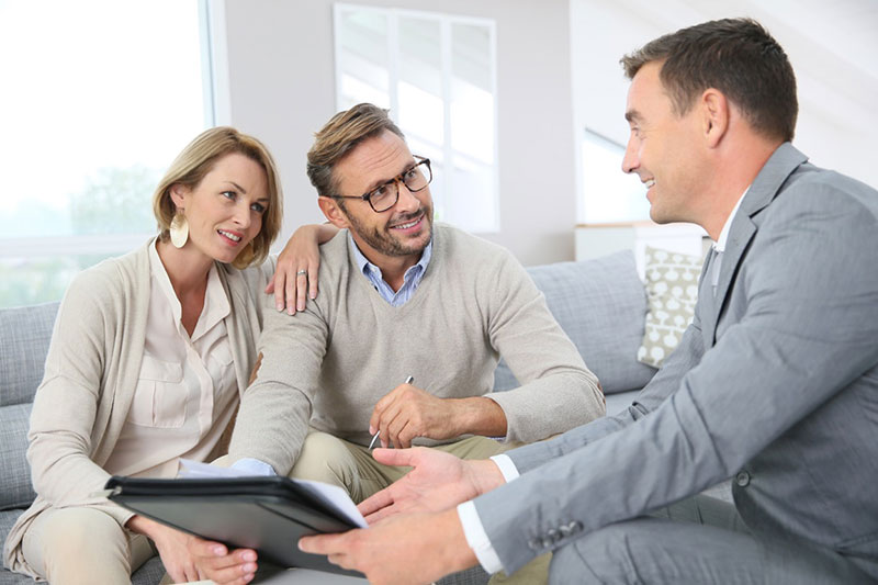 refer-smart-what-to-look-for-when-hiring-an-energy-advisor